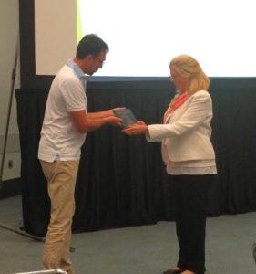 Jane dutton receives award
